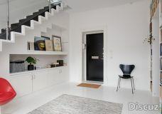 零余收纳塞进墙面里 北欧复式公寓设计